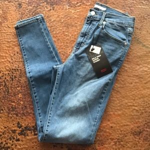 {Levi's} Mile High Super Skinny Jeans. Size 28.